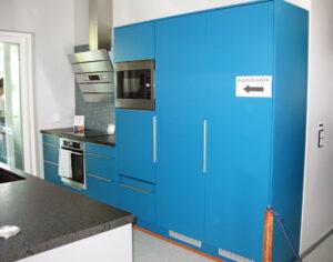 Voimakas väri keittiössä