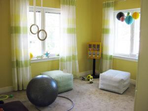 Auringonkeltainen lastenhuone