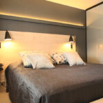 Makuuhuoneen levollinen värimaailma